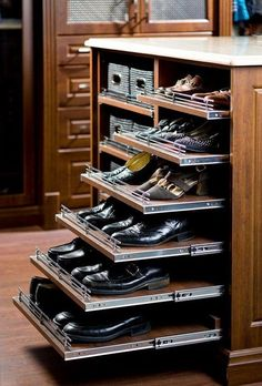 Cool 20+ Space Saving Shoe Rack Ideas https://kidmagz.com/20-space-saving-shoe-rack-ideas/