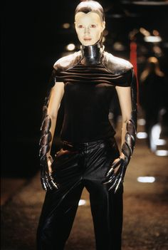 See detail photos for Alexander McQueen Fall 1998 Ready-to-Wear collection.