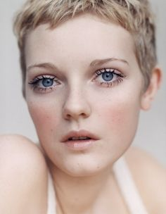 22 Short and Super Sexy Haircuts for Women - Short Hair Ideas Pixie Hairstyles, Pixie Haircut, Cool Hairstyles, Short Haircut, Short Bangs, Short Hair Cuts For Women, Short Hairstyles For Women, Short Hair Styles, Short Blonde Haircuts