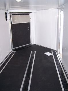 Front Ramp Trailer With Alpha Rubber Floor And Three Lines Of E Track