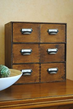 mejores 1107 im genes de cajas y cajoneras en pinterest crates recycled cans y altered art. Black Bedroom Furniture Sets. Home Design Ideas