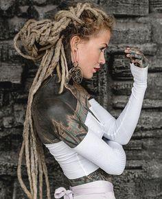 Tattooed black girl webcam