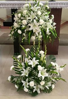 Ideas Flowers Arrangements Wedding Church Altars For 2019 <br> Contemporary Flower Arrangements, Tropical Flower Arrangements, Funeral Flower Arrangements, Beautiful Flower Arrangements, Wedding Flower Arrangements, Beautiful Flowers, Wedding Flowers, Exotic Flowers, Purple Flowers