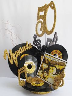 Black Gold Party Centerpieces Using Record Albums Music Centerpieces, Reunion Centerpieces, 50th Birthday Centerpieces, Class Reunion Decorations, Disco Party Decorations, Party Centerpieces, Centerpiece Ideas, Decade Party, 70s Party