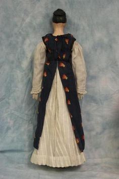 18-Antique-1840s-German-Paper-Mache-Lady-Doll-Wardrobe-Shoes-with-Fitted-Box