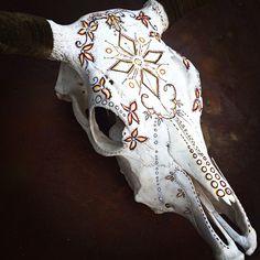 Hand Painted Animal Skulls by Amy Symonds Deer Skull Art, Skull Decor, Horse Skull, Deer Decor, Crane, Painted Animal Skulls, Bull Painting, Skull Crafts, Pink Cow