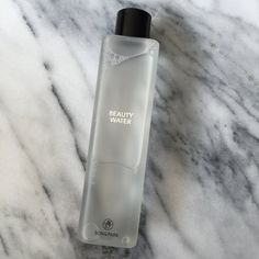 Beauty Water. Use it morning, night, or whenever you need a quick refresh. A quick note before the review: Whoa,...