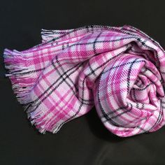 #Stole 70% #cashmere / 30% #silk, color plaid in shades of pink. woven on antique looms - measures 70x200 Stole for men and women 100% #MadeinItaly - Il Cortiletto - #Fashion - #Women - other - Reputeka - Il Cortiletto - Fashion - Woman - Other - Reputeka