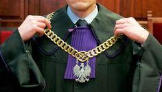 Poprzednia dwuwładza ustawodawczo-wykonawcza naruszała zwykle prawa sędziów niższych szczebli, a obecna sięga do szczytów. Sędziowskie VIP-y czują potrzebę jedności – pisze prawnik.
