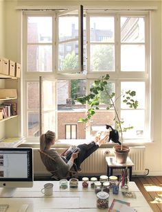 I would never get my work done in this room. I would find myself daydreaming in those windows!
