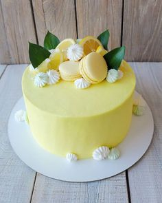 На данном изображении может находиться: еда Cute Cakes, Pretty Cakes, Beautiful Cakes, Amazing Cakes, Lemon Birthday Cakes, Bolo Paris, Naked Cakes, New Cake, Birthday Cake Decorating