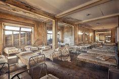 Von Staub überzogen:  Im Gebirge in Norditalien befindet sich dieses ehemalige...