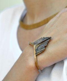stone-gold-bracelet - Once Wed Gold Jewelry, Jewelry Box, Jewelery, Jewelry Accessories, Fashion Accessories, Jewelry Design, Unique Jewelry, Jewelry Ideas, Bijou Box