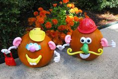 Perfect pumpkin decorating craft for toddlers: Mr. & Mrs. Pumpkin Head!