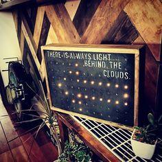 セリア商品を使って、ブルックリンカフェ風なライトをDIYしました(^-^)