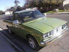 Selling my 1977 toyota pickup $2,550 FIRM!!! TRUCK IS LOCATED IN YUMA, AZ Clean title standard 5 speed 80xxx miles 4 Cylinder 20R engine. Runs great. Good on gas. original 8 track player. Recent bed...