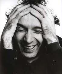 rie que la vida es bella