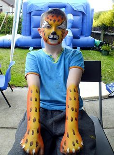 Leopard arms and Face Painting