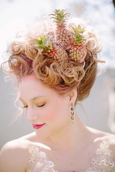 Pineapple hairstyle updo | Tess Pace Photography | see more on: http://burnettsboards.com/2015/08/modern-marie-antoinette/