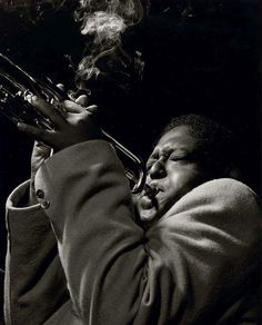 Fats Navarro by Francis Wolff Francis Wolff, Jazz Trumpet, Jazz Cat, Trumpet Players, Miles Davis, Country Music Singers, Jazz Musicians, Jazz Blues, Reggae