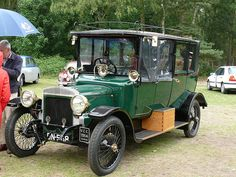 1914 Daimler TW20  ===>   https://de.pinterest.com/jeanchiasson1/skidoo/  ===>  https://de.pinterest.com/pin/543035667550750426/
