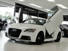 2009-Audi-TTS-Coupe-TFSI-quattro-S-tronic-Lambo-Doors-Prestige-Model