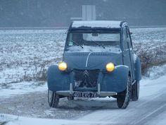 Citroen 2Cv AZLP in Winter