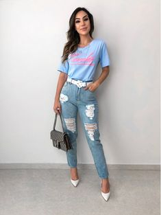 T-shirt Touche Azul Tumblr Outfits, Edgy Outfits, Fashion Outfits, Fashionable Outfits, Work Fashion, Fashion Looks, Autumn Fashion Grunge, Denim Outfit, Shirt Outfit