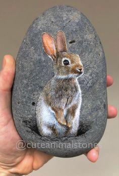 Fox Painting, Pebble Painting, Pebble Art, Stone Painting, Painted Rock Animals, Hand Painted Rocks, Painted Pebbles, Caillou Roche, Art Rupestre