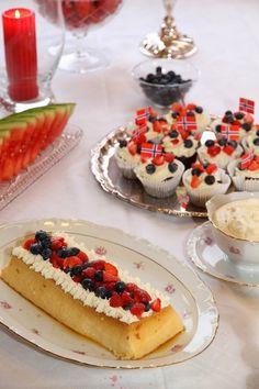 Oldemors karamellpudding - My Little Kitchen Cheesecake Trifle, Norwegian Food, Eat Dessert First, Creme Brulee, Deserts, Dessert Recipes, Food And Drink, Sweets, Vegan