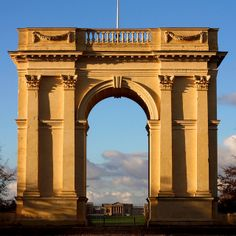 View of Stowe House through the Arch Neoclassical Architecture, Baroque Architecture, Historical Architecture, Beautiful Architecture, Art And Architecture, House Arch Design, Entrance Design, Gate Design, Facade Design