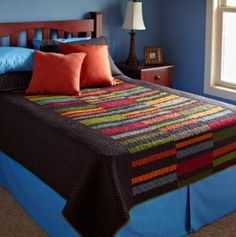 Add instant style to your bedroom with beautiful bed quilts! From twin bed quilts to king size, these quilt patterns feature a variety of techniques perfect for any decor. Strip Quilt Patterns, Modern Quilt Patterns, Quilting Patterns, Modern Quilting, Quilting Ideas, All People Quilt, Quilt Modernen, Striped Quilt, Simple Bed