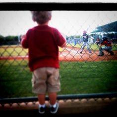 Little boys and baseball http://media-cache2.pinterest.com/upload/133841420145437143_OzVWD3EM_f.jpg skeens photography