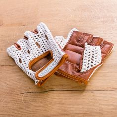 Vintage style crochet cycling gloves
