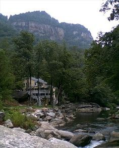 VRBO.com #377988 - Beautiful Cabin W/ Best Views of River Falls and Chimney Rock