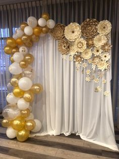 paper flower centerpieces Beautiful variety of French vanilla white + beige paper flowers Xsmall- 3 Includes leafs (Balloons not included) Sample set up Paper Flower Centerpieces, Paper Flower Garlands, Paper Flower Backdrop, Giant Paper Flowers, Balloon Arch Diy, Balloon Backdrop, Balloon Garland, Balloons, Diy Garland