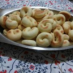 Pan Dulce, Doughnut, Food Videos, Biscotti, Donuts, Macaroni And Cheese, Food To Make, Muffin, Food And Drink