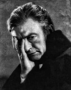 """Claude Rains, en una foto promocional para """"El fantasma de la Opera"""", 1943"""