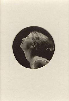 Man Ray. Lee Miller 1930