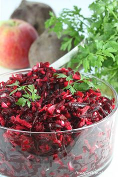 Sałatka z buraków.    Beet and apple Salad. Appetizer Salads, Appetizers, My Favorite Food, Favorite Recipes, Polish Recipes, Tzatziki, Coleslaw, Beets, Coco