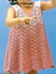 Robe fillette rose et sa grille gratuite !