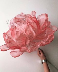 Set of master classes from organza. Work with fabric. Organza Flowers, Cloth Flowers, Fabric Flowers, Giant Paper Flowers, Fake Flowers, Flower Tutorial, Handmade Flowers, Flower Crafts, Flower Making