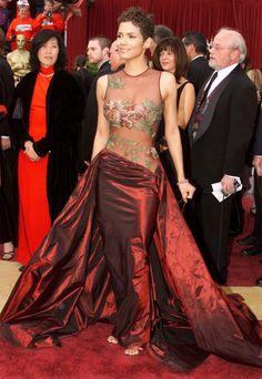 Halle Berry wearing Elie Saab, Oscars, 2002