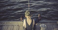 Get the best fishing times and dates for plus expert fishing tips from The Old Farmer's Almanac. Boy Fishing, Fly Fishing Tips, Going Fishing, Fishing Lures, Fishing Tricks, Fishing Knots, Carp Fishing, Bass Lures, Walleye Fishing
