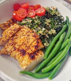 chicken, kale mixed with quinoa, green beans and cherry tomatoes