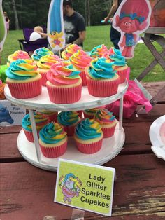 Trolls birthday party. Lady glitter sparkles cupcakes. Food. 4th Birthday Parties, 3rd Birthday, Birthday Cupcakes, Trolls Birthday Party Ideas Cake, Birthday Ideas, Birthday Banners, Birthday Invitations, Lady Glitter Sparkles, Glitter Boots