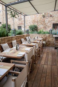 Outdoor Restaurant Design, Deco Restaurant, Rooftop Restaurant, Coffee Shop Design, Cafe Design, Patio Design, Bar Bistro, Outdoor Cafe, Restaurant Interior Design