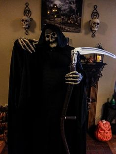 Deluxe Grim Reaper Costume.Something wicKED this way comes....: The Wicked Woods Cemetery Halloween 2014