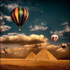 Pirámides egipcias + globo aerostático, qué más se puede pedir? #hotairballoon #balonismo