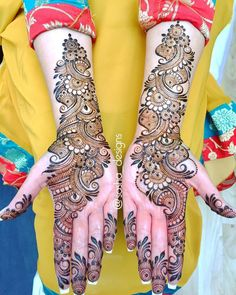 Boldly Made Arabic Mehendi Design Best Beautiful Front and Back Hand Mehndi Designs For Bridal! Easy Mehndi Designs, Latest Mehndi Designs, Mehndi Designs Front Hand, Arabic Bridal Mehndi Designs, Mehndi Designs For Beginners, Mehndi Designs For Girls, Mehndi Design Photos, Dulhan Mehndi Designs, Right Hand Mehndi Design